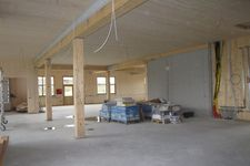 Construction of an industrial hall with wooden elements
